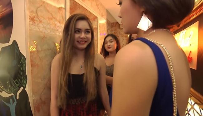 4 hot girl nóng bỏng cổ vũ World Cup: Người cát-xê tăng vọt, kẻ ồn ào chỉ trích - hình ảnh 18