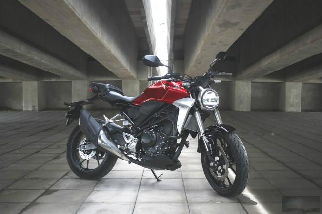 Đánh giá toàn diện 2018 Honda CB300R giá 102 triệu đồng - 1