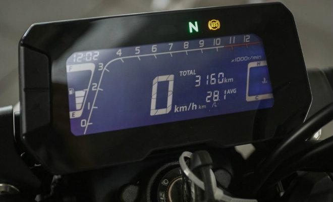 Đánh giá toàn diện 2018 Honda CB300R giá 102 triệu đồng - 8