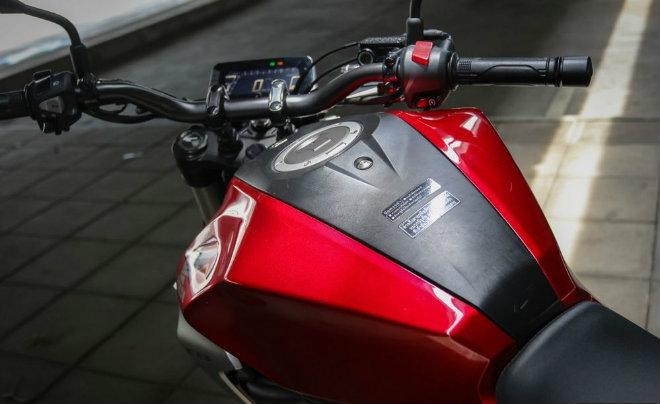 Đánh giá toàn diện 2018 Honda CB300R giá 102 triệu đồng - 9