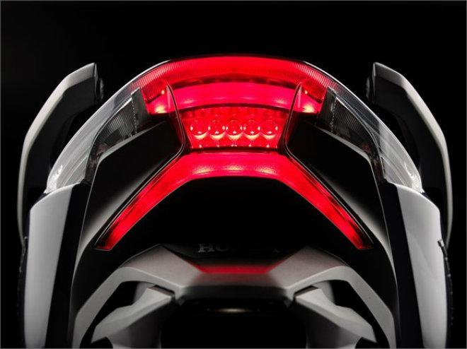 Chi tiết 3 màu, thông số, giá bán xe ga mới Honda Forza 250 - 8