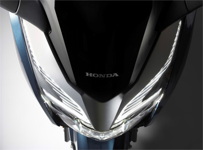 Chi tiết 3 màu, thông số, giá bán xe ga mới Honda Forza 250 - 7