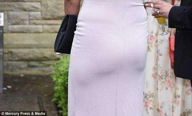 Xem ảnh cưới, cặp đôi sốc nặng khi nhiếp ảnh toàn chụp ngực và mông phù dâu - hình ảnh 6