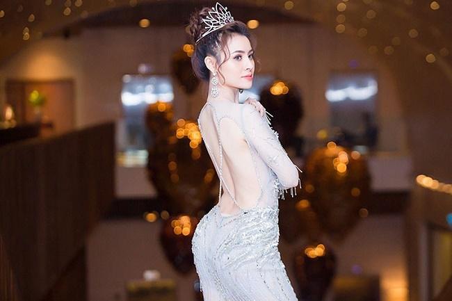 """Đường cong """"mỹ miều"""" của Á hậu Việt bị nghi quay clip sốc ở Tuyệt tình cốc - hình ảnh 14"""