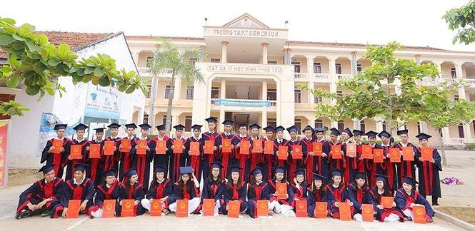 Hai lớp học ở Nghệ An có 100% học sinh đậu đại học - 2