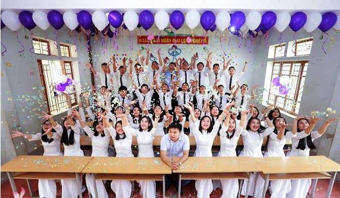 Hai lớp học ở Nghệ An có 100% học sinh đậu đại học - 1