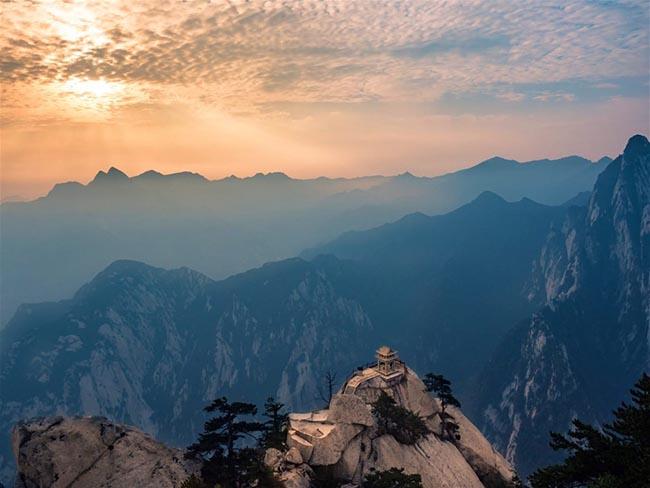 Cận cảnh con đường nguy hiểm nhất Trung Quốc - 4