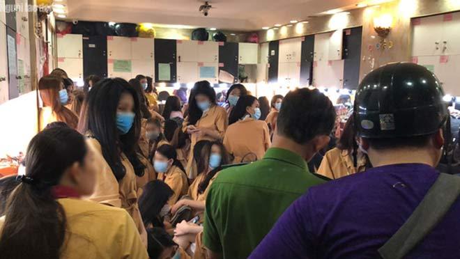 """Theo chân tổ kiểm tra vào các nhà hàng """"nhạy cảm"""" trung tâm Sài Gòn - 5"""