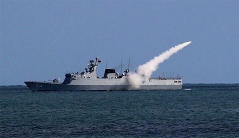 Trung Quốc muốn gì khi tập trận 3 lần trên 3 vùng biển chỉ trong 1 tuần? - 1
