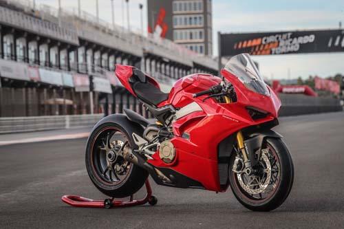 Ducati sẽ phát triển động cơ V4 giá thành rẻ hơn trong tương lai gần - 1