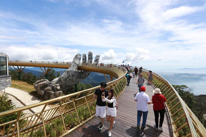 Truyền thông quốc tế không ngớt lời ngợi ca Cầu Vàng Sun World Ba Na Hills - 2
