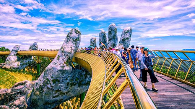 Truyền thông quốc tế không ngớt lời ngợi ca Cầu Vàng Sun World Ba Na Hills - 3