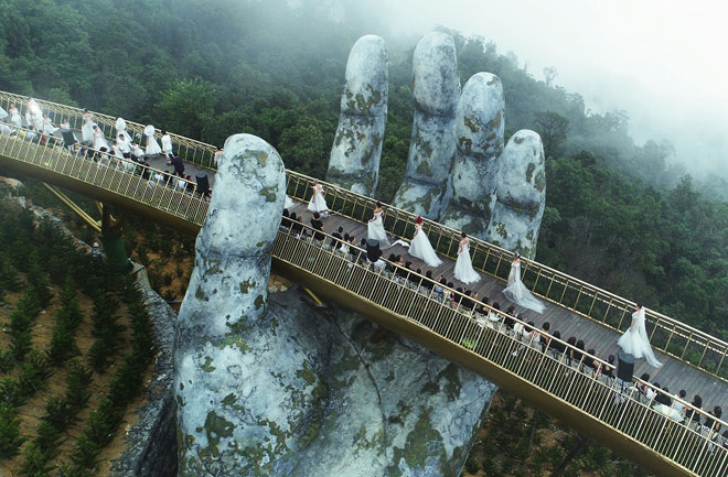 Truyền thông quốc tế không ngớt lời ngợi ca Cầu Vàng Sun World Ba Na Hills - 6