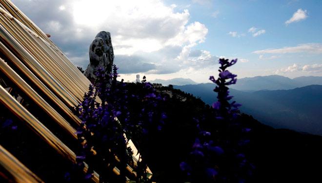 Truyền thông quốc tế không ngớt lời ngợi ca Cầu Vàng Sun World Ba Na Hills - 7