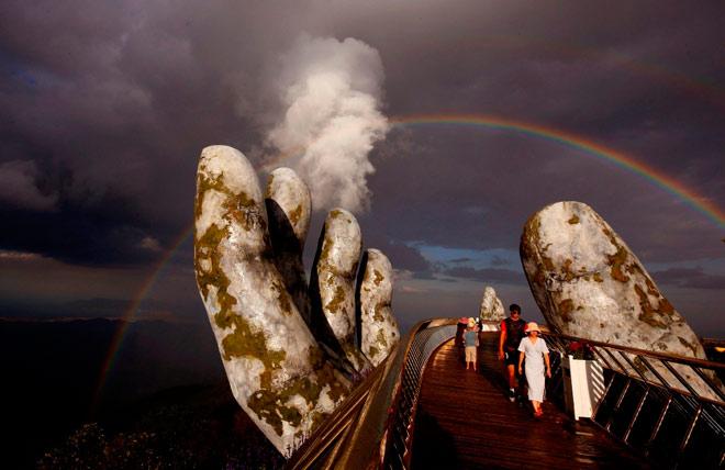Truyền thông quốc tế không ngớt lời ngợi ca Cầu Vàng Sun World Ba Na Hills - 8