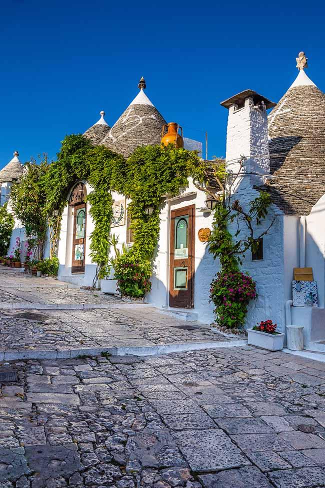 10 thị trấn đẹp nhất nước Ý khiến du khách xiêu lòng - 1