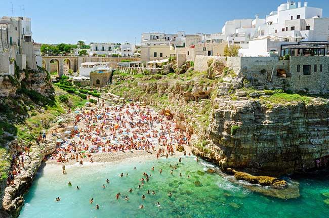 10 thị trấn đẹp nhất nước Ý khiến du khách xiêu lòng - 2