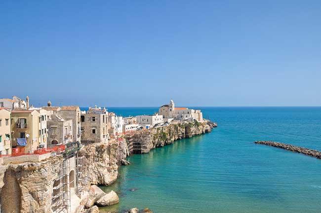 10 thị trấn đẹp nhất nước Ý khiến du khách xiêu lòng - 7