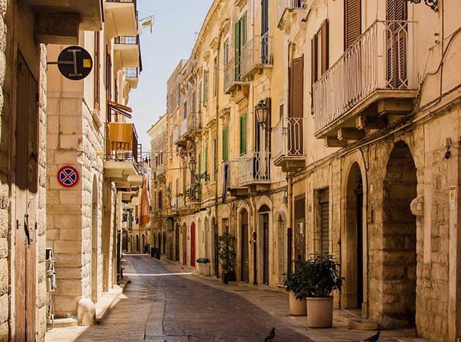 10 thị trấn đẹp nhất nước Ý khiến du khách xiêu lòng - 8