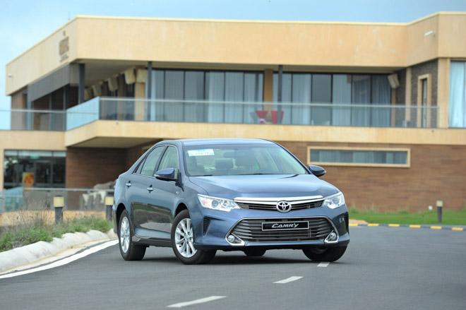 Giá xe Toyota Camry cập nhật mới nhất - 1