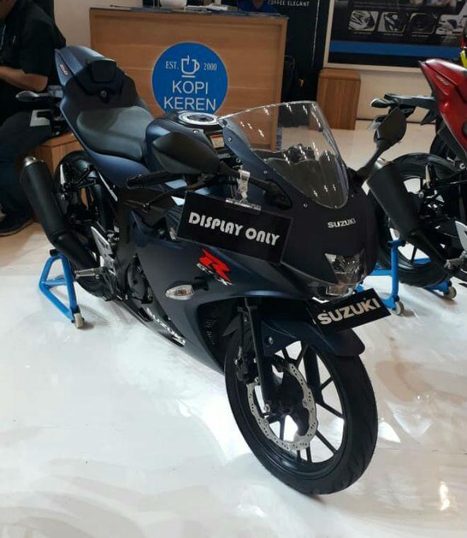 2018 Suzuki GSX-R150 ra màu mới, bủa vây Yamaha R15 - 6