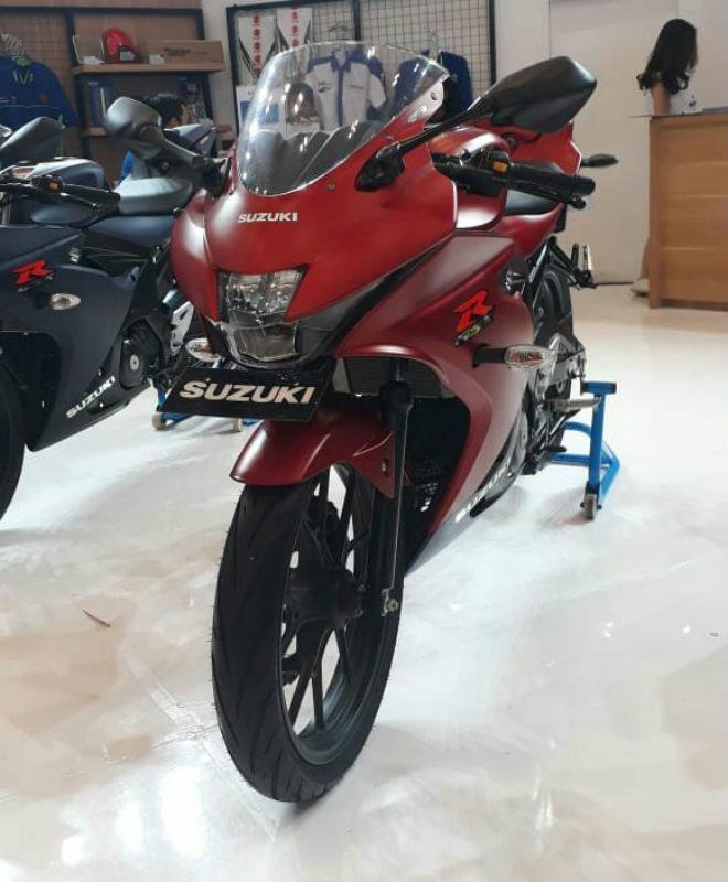 2018 Suzuki GSX-R150 ra màu mới, bủa vây Yamaha R15 - 3