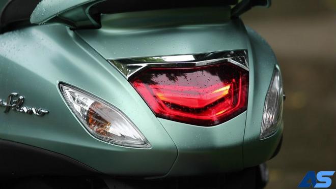 Đánh giá toàn diện Yamaha Grande Hybrid xanh ngọc bích - 10
