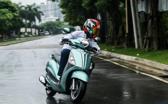 Đánh giá toàn diện Yamaha Grande Hybrid xanh ngọc bích - 13