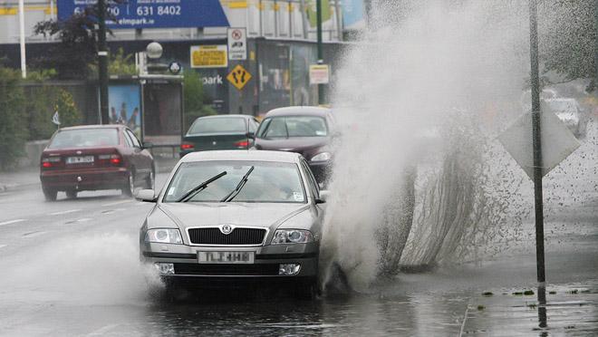 5 Lưu ý cần nhớ khi lái xe trong mùa mưa - 1