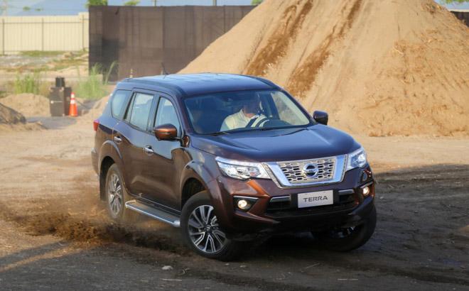 SUV 7 chỗ Nissan Terra phiên bản Thái Lan được lắp động cơ mới - 1