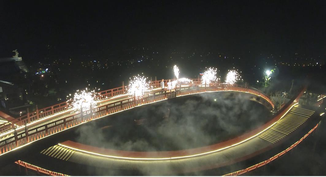 Sau cây cầu Vàng ở Đà nẵng, giới trẻ ùn ùn kéo đến check-in cầu Koi ở Hạ Long - 7