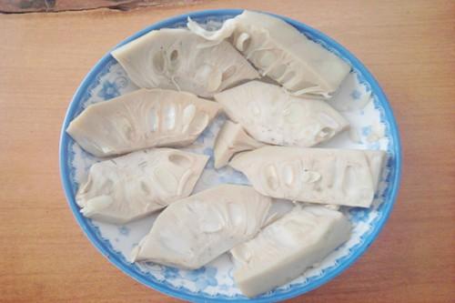 Món chay tháng Vu lan: Mít non kho tộ cho bữa cơm thêm đậm đà - 2