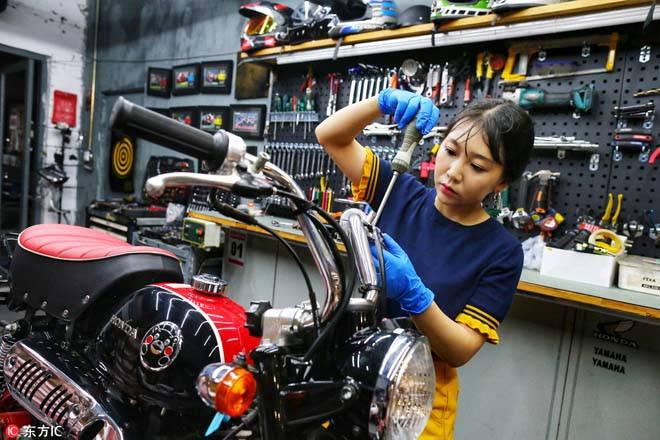 """""""Choáng"""" với bộ sưu tập của """"Nữ thần xe máy"""" thế hệ 9X - 1"""