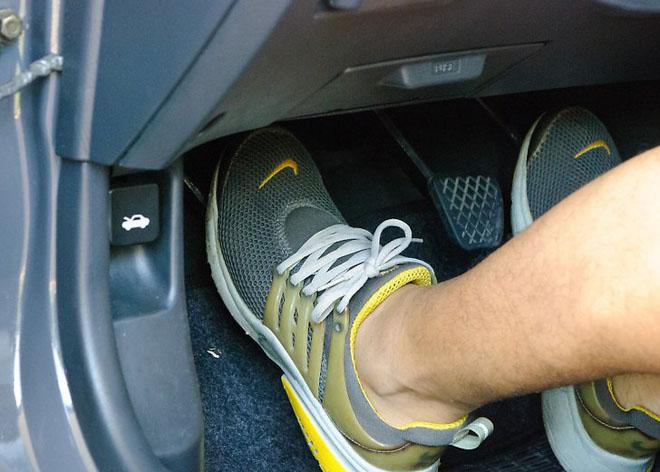10 thói quen nhỏ dễ gây hư hỏng cho xe ôtô - 2