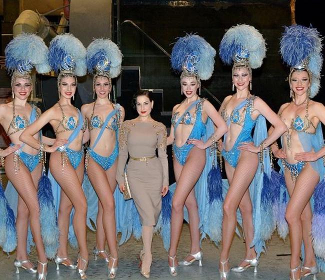 Nội y đã mặc là phải gợi cảm tuyệt đối như vũ nữ thoát y được Beckham ái mộ - hình ảnh 4