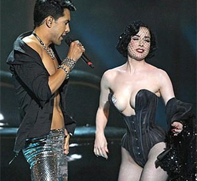 Nội y đã mặc là phải gợi cảm tuyệt đối như vũ nữ thoát y được Beckham ái mộ - hình ảnh 6