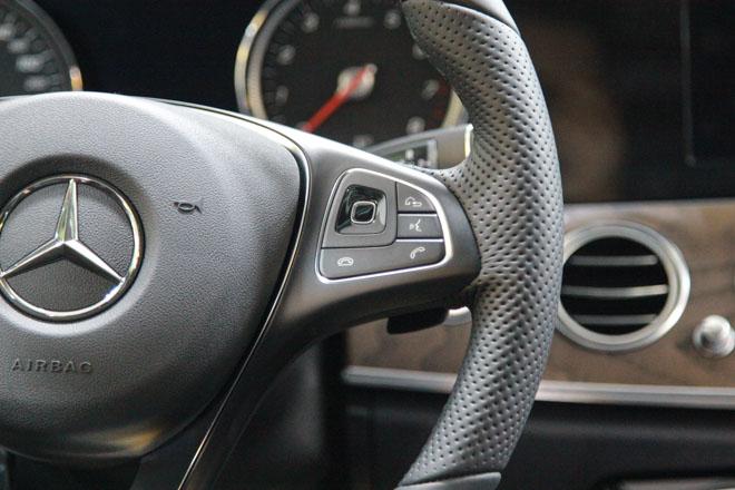 Giá xe Mercedes E-Class cập nhật tháng 10/2018: E300 AMG giá từ 2,769 tỷ đồng - 8