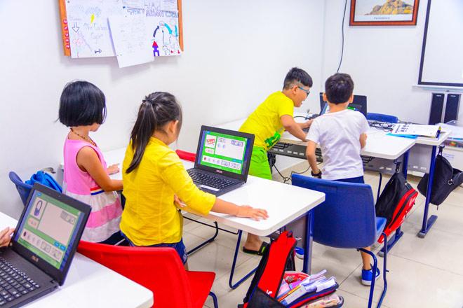 Bật mí 5 chữ cái tạo nên sức hấp dẫn của lớp học STEAM English tại AEG - 3