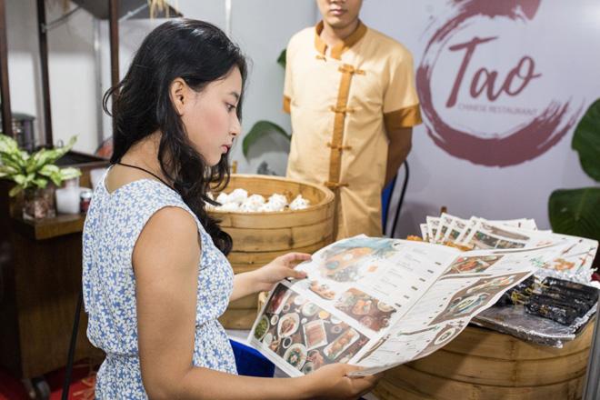 Khách mời phát cuồng vì độ đẹp và ngon của C.TAO tại LEEP Asia - 2