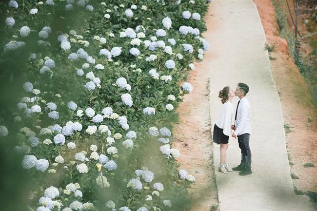 Phan Hiển, Khánh Thi trao nhau nụ hôn ngọt ngào sau tin đồn lục đục - hình ảnh 2