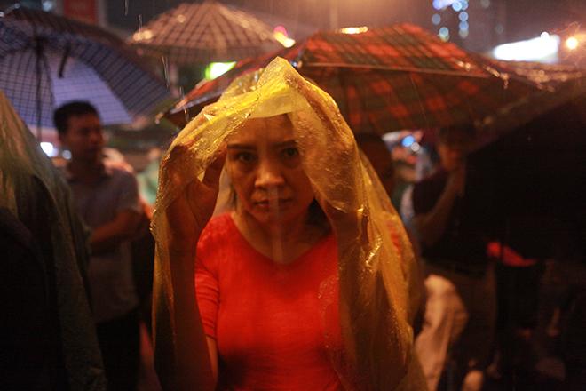 Ảnh: Hàng nghìn người đội mưa dự lễ Vu Lan ngoài đường - 10