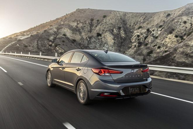 Hyundai Elantra 2019 chính thức ra mắt với thiết kế hoàn toàn mới - 9