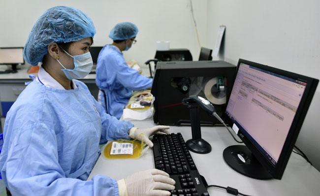 """Ảnh: Bên trong """"ngân hàng máu"""" lớn nhất Việt Nam - 10"""