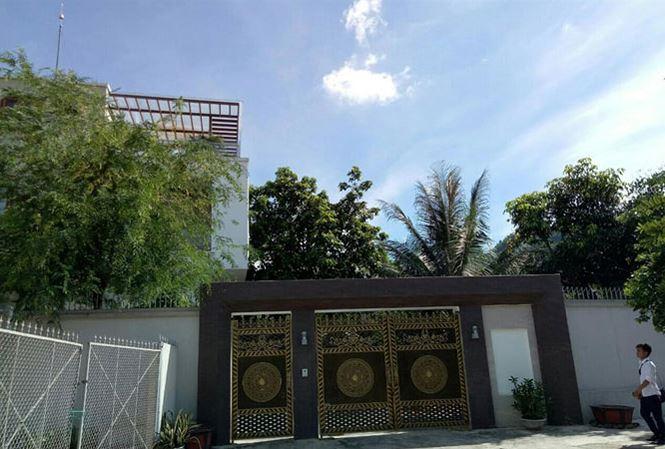 'Thăng trầm' của cựu Giám đốc bệnh viện Hòa Bình vừa bị khởi tố - 1