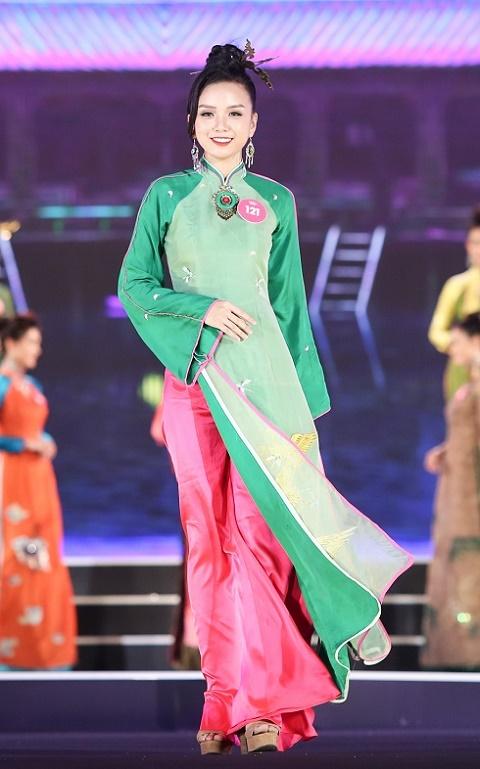 Lộ diện Top 3 Người đẹp Biển của Hoa hậu Việt Nam - hình ảnh 8