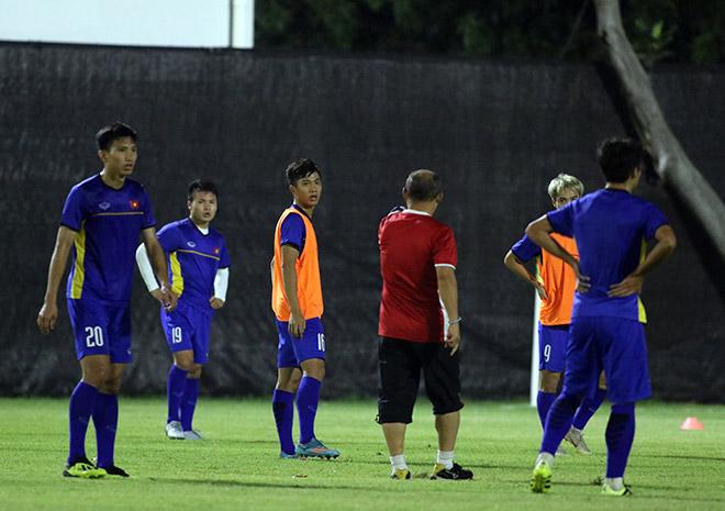 U23 Việt Nam: Thầy Park gây bất ngờ với Công Phượng & Xuân Trường - 10