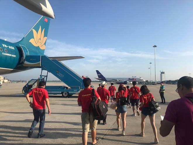 CĐV nhuộm đỏ Tân Sơn Nhất, sang Indonesia xem U23 Việt Nam - U23 Hàn Quốc - 5
