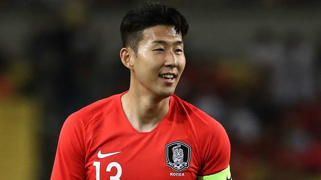 """2 cô bồ bốc lửa của """"Ronaldo Hàn Quốc kiếm 2,5 tỷ/tuần"""" - hình ảnh 1"""