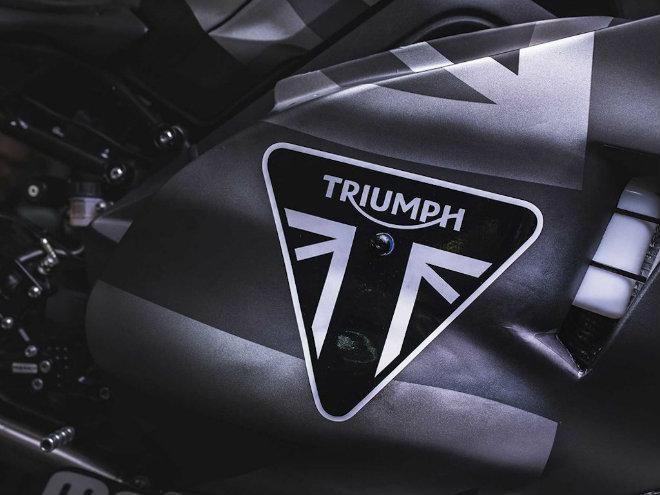 """2019 Triumph 765 Moto2 lộ diện, Honda CBR600RR """"ăn no khói"""" - 8"""