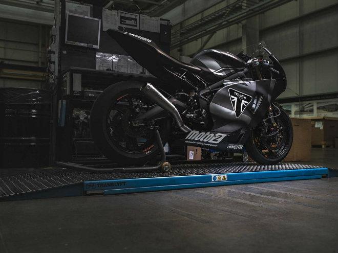 """2019 Triumph 765 Moto2 lộ diện, Honda CBR600RR """"ăn no khói"""" - 4"""